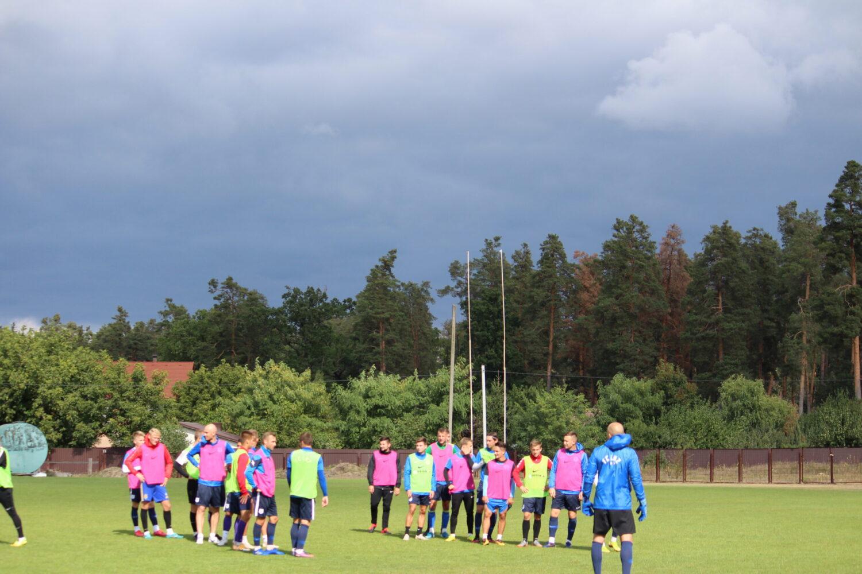 Передматчеве тренування під холодними хмарами (ФОТО)
